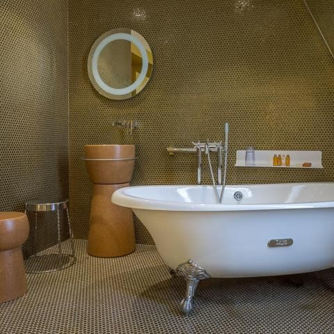 The wellness centre in the heart of the Hotel les Bulles de Paris